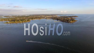 The Entrance Of The Golfe Du Morbihan - Vidéo Drone