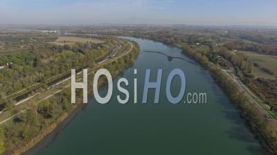Vue Aérienne Du Rhône Et De Villeneuve-Lez-Avignon, Vidéo Drone