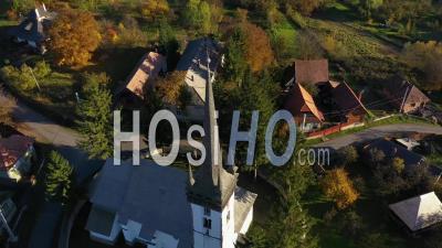 Drone Point De Vue D'une église De Village Par Drone