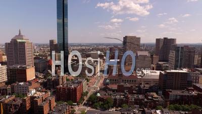 Voler Bas Sur La Région De Back Bay. Boston Massachusetts - Vidéo Drone
