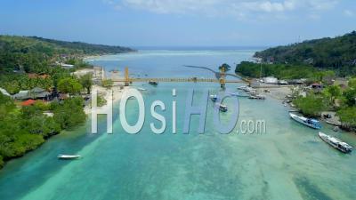 Jembatan Kuning Nusa Lembongan, Pont Jaune, Indonésie - Vidéo Drone