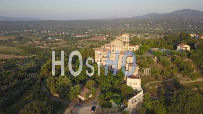 Château De Tourrettes Et Ses Alentours, Vidéo Drone
