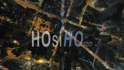 Hong Kong Vol Vertical Vers La Nuit Dans Le District Central. - Vidéo Drone