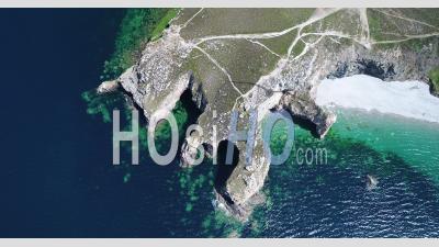 Ciel Bleu De L'été à La Pointe De Dinan