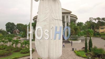 Mémorial Pierre Savorgnan De Brazza Et Sa Statue À Brazzaville, Vidéo Drone