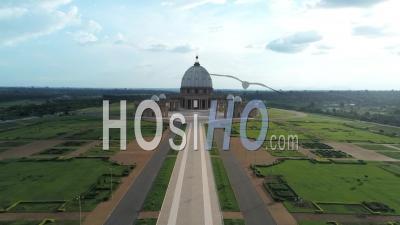 Jardins De La Basilique De Yamoussoukro - Vidéo Drone