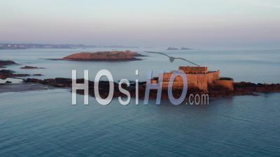 Fort National Au Lever Du Soleil, Saint-Malo - Vidéo Drone