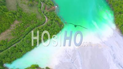 Bassin De Décantation Des Eaux Usées D'une Mine De Cuivre, Vidéo Drone