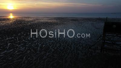 Carrelet, Une Cabane De Pêcheur, Esnandes - Vidéo Drone