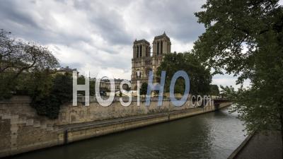 Timelapse Notre Dame De Paris Après L'incendie