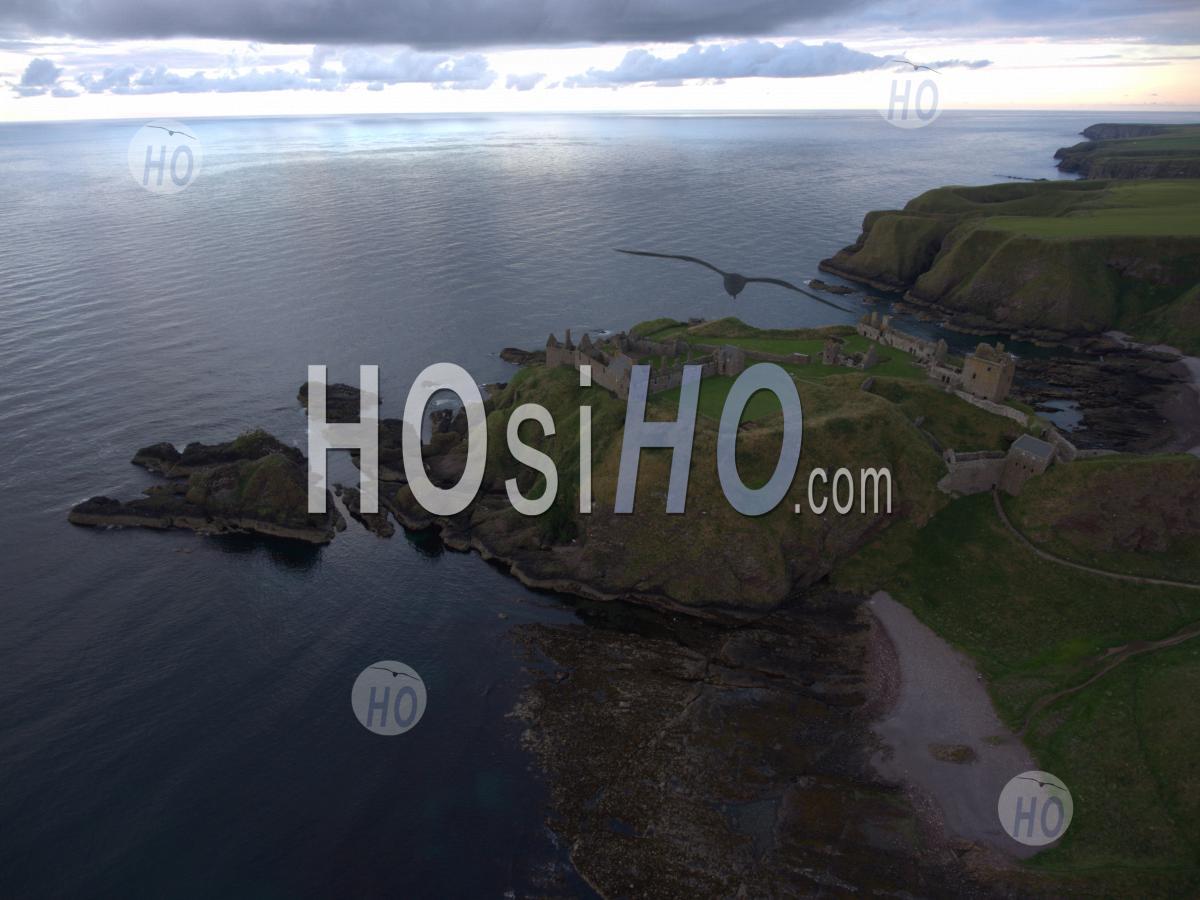 Dunnottar Castle - Vue Par Drone - Photographie Aérienne