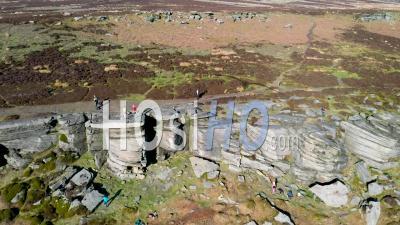 High Neb Peak, Stanage Edge Escarpement, Derbyshire National Park, Vidéo Drone