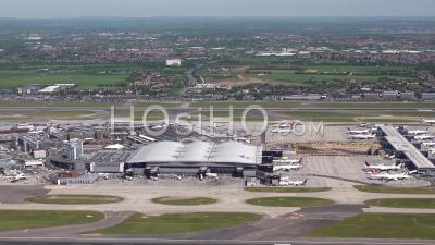 Aéroport D'heathrow, Londres, Filmé Par Hélicoptère