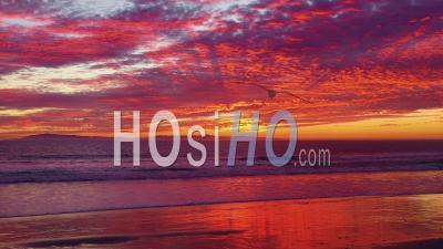 Vue Aérienne Sur L'océan Pacifique Et Les îles Anglo-Normandes à Ventura, Californie Du Sud - Vidéo Drone