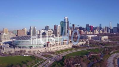 Vue Aérienne Sur Soldier Field Et L'horizon De Chicago - Vidéo Drone