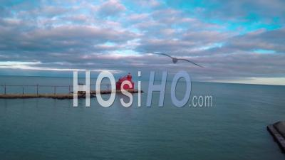 Vue Aérienne Sur Le Phare De Sturgeon Bay Dans Le Comté De Door, Wisconsin - Vidéo Drone