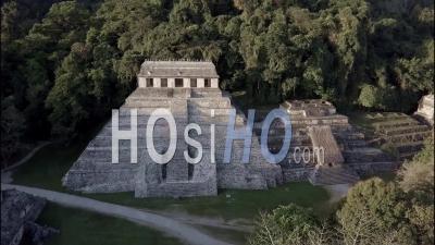 Vue Aérienne Sur Les Pyramides Mayas De Palenque Au Mexique - Vidéo Drone