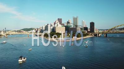 Aerial View Of The Monongahela River To Pittsburgh, Pennsylvania Downtown Skyline - Video Drone Footage