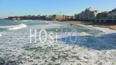 Timelapse, Plage Et Surfeurs De La Côte Basque à Biarritz, France