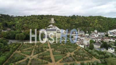 La Roche-Guyon, Village And Castel - Drone Point Of View