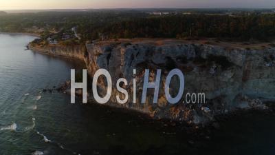 Lever Du Soleil Sur Le Paysage Côtier, Suède - Vidéo Drone