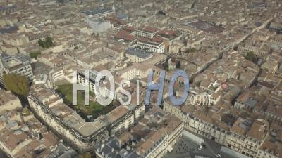 Vue Panoramique Sur Les Toits De Bordeaux, Vidéo Drone, France