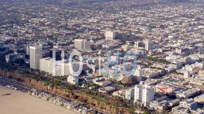 Vue Aérienne De Ocean Boulevard à Santa Monica, Autoroute De La Côte Du Pacifique Et Plage