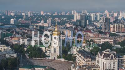 Vue Aérienne De Kiev (kiev), La Cathédrale Sainte-Sophie, Kiev Skyline, Ukraine - Vidéo Drone