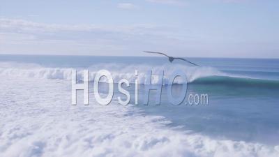 Belles Vagues De L'océan Atlantique, Filmées Par Drone