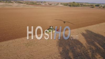 Tracteur Labourant – Vidéo Drone