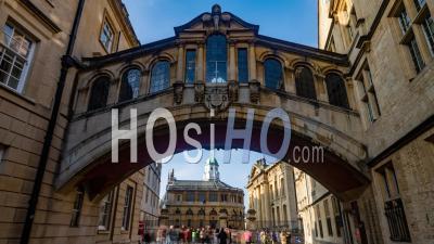 Le Pont Des Soupirs Et Le Théâtre Sheldonian à Oxford