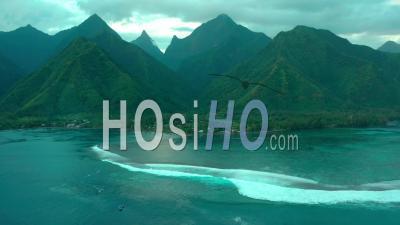 Montagne Et Lagon à Tahiti, Polynésie Française - Vidéo Drone, Océan Pacifique, France