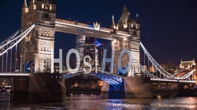 Time Lapse De Tower Bridge, Londres, De Nuit