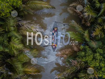 Aerial View From Above With Drone , Of Boat On The Mekong Delta , Vietnam - Photographie Aérienne