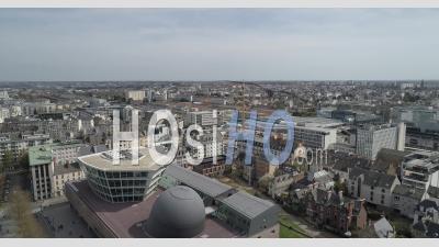 Vidéo Par Drone De La Ville De Rennes, Bretagne, France, Dans L'esplanade Charles De Gaulle