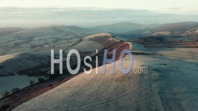 Rolling Hills Of Shropshire At Frosty Sunrise - Vidéo Aérienne Par Drone