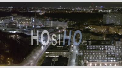 Paysage Urbain De Nuit Aérienne Sur Le Centre De Stockholm, Suède - Vidéo Aérienne Par Drone