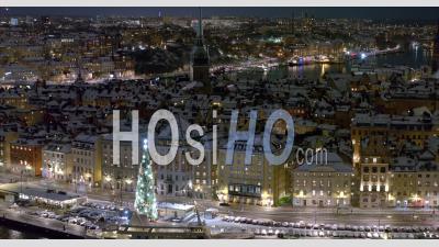 Gamla Stan Sur Un Winternight, Stockholm Suède - Vidéo Aérienne Par Drone