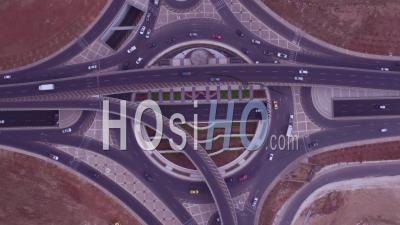Du Rond-Point Ou Du Rond-Point Avec Circulation Automobile, Amman, Jordanie - Vidéo Par Drone