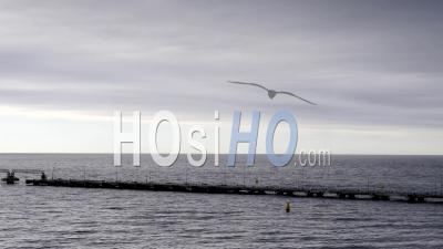 Laps De Temps, Lourds Nuages D'orage Sombre Sur L'océan