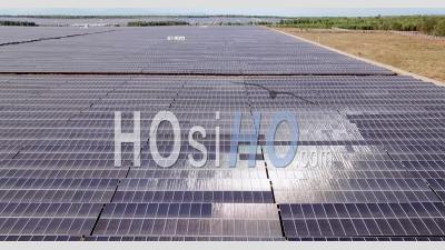 Champ De Panneaux Solaires Au Vietnam - Vidéo Drone