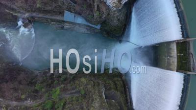 Barrage De Chatelot à La Frontière Suisse - Vidéo Drone