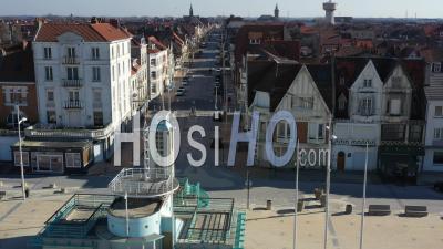 Dunkerque Ville Vide Pendant Le Confinement Global De Covid-19 - Vidéo Drone
