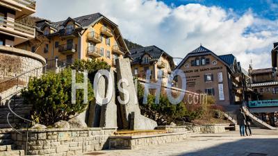 Saint Gervais Mont Blanc Village Timelapse