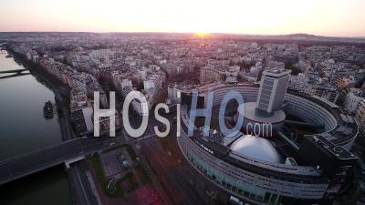 Maison De La Radio, Paris Lockdown 03/2020 - Video Drone Footage