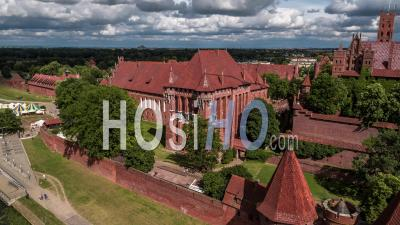 Château De L'ordre Teutonique à Malbork, Malbork (zamek W Maborku, Ordensburg Marienburg) Vidéo Drone
