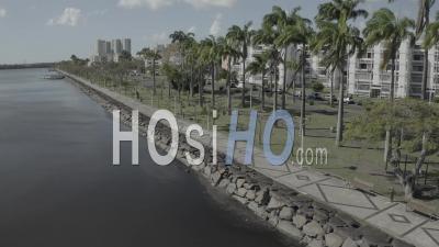 Confinement à Pointe A Pitre, Guadeloupe - Vidéo Par Drone