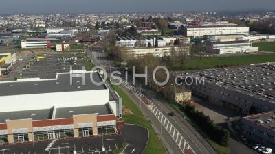 Zone Industrielle De Limoges Lors De La Pandémie De Covid-19 - Vidéo Drone