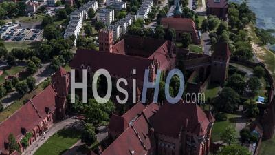 Castle Of The Teutonic Order In Malbork, Malbork ( Zamek W Maborku, Ordensburg Marienburg ) - Video Drone Footage