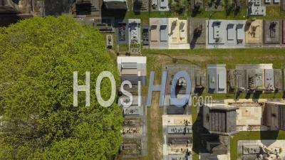 Cimetière De La Chartreuse, Quartier Meriadeck à Bordeaux Pendant Covid-19, France - Vidéo Drone